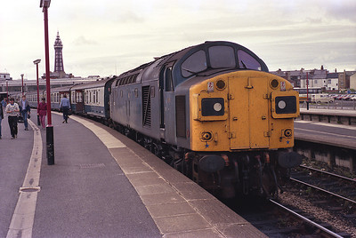 40135 waits departure time from Blackpool North with the 12.15 to Newcastle 8/9/84.
