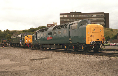 55019 and 40122 pose at Upperby open day 19/7/86.