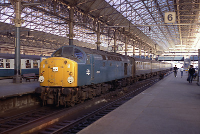 40079 rests at Manchester Piccadilly with the 13.20 from Skegness 17/9/83.