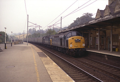 """40090 + 40029 pass Oxenholme with the """"Skirl o' the pipes 3"""" railtour 25/9/83."""