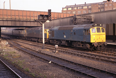 25257 tows failed 47519 into Manchester Victoria on the 13.22 Newcastle-Liverpool 27/8/83.