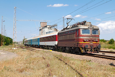 "44 098 passes Tserkovski with train 8612 ""Слънчев Бряг /Slanchev Bryag/Sunny Beach"" 15.00 Burgas to Sophia. Tuesday 5th July 2016."