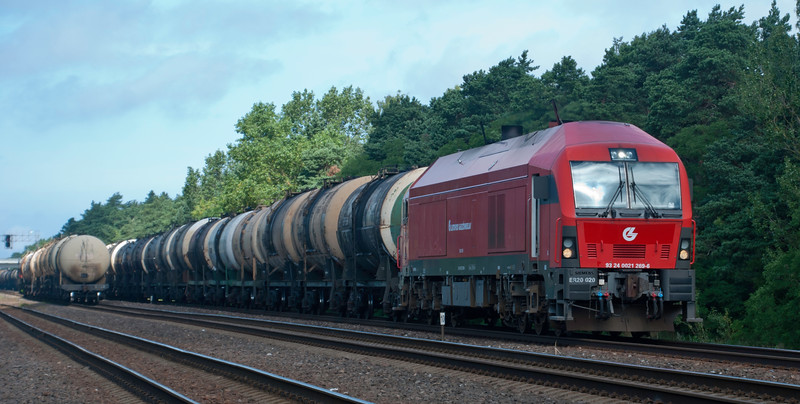 Single Eurorunner on a southbound oil train. Such a great spot for train watching.<br /> <br /> 30th July 2017