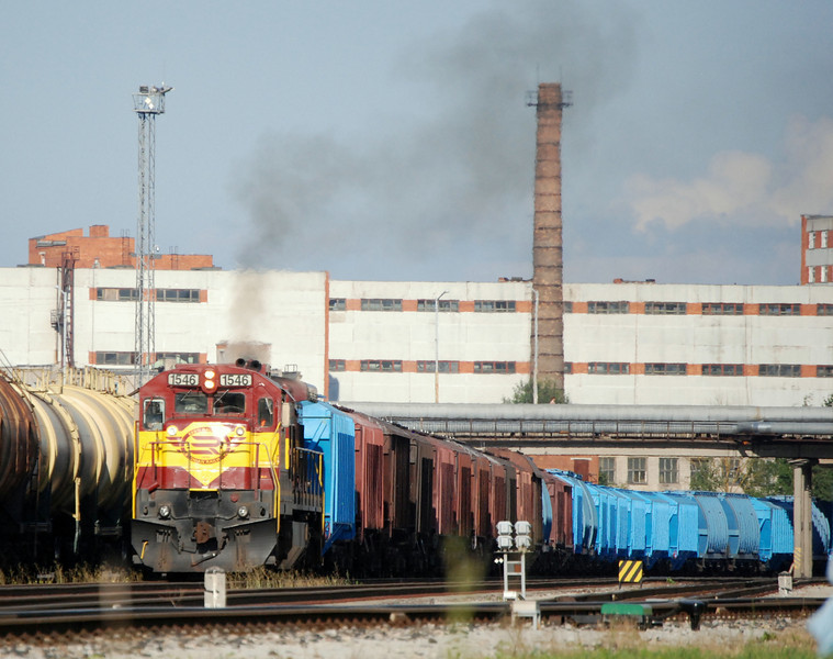 Freight train heading west from Narva