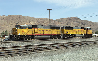 UP 2371 (SD60M) & UP 6250 (C44AC) Yermo Yard. 30/04/2007.
