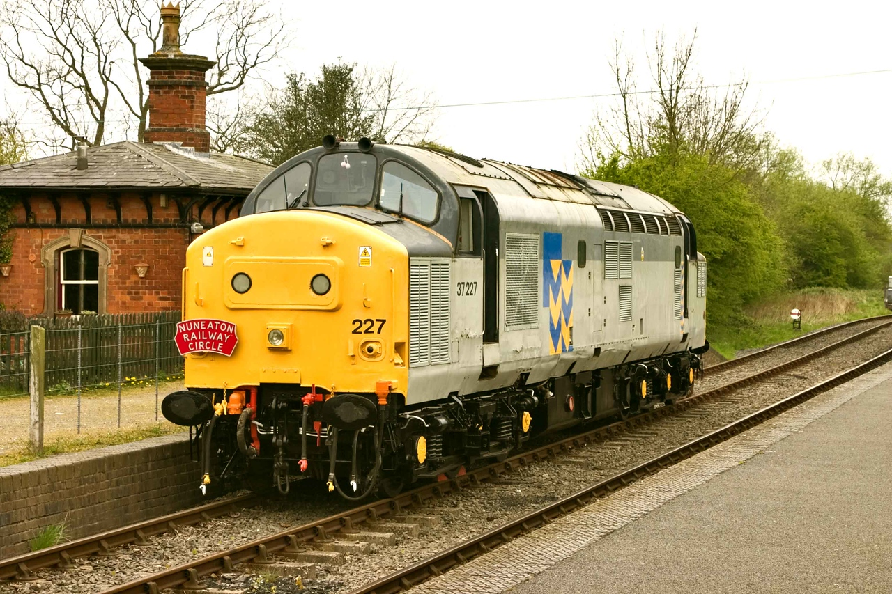 English Electric Type 3 Class 37 Bo-Bo No 37 227 waits in Shenton Station for its next working back to Shackerstone<br /> during the Battlefield Railway Spring Diesel Gala. 22/04/20007