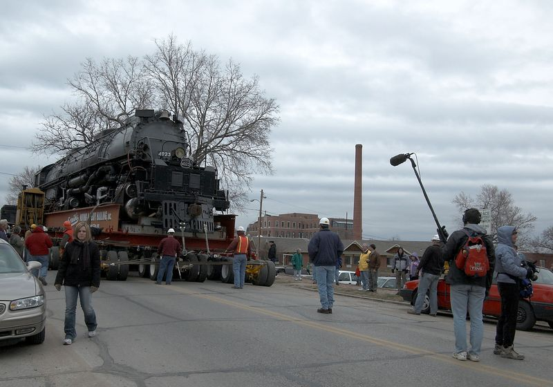 <font size=3>One of the film crews out front.</font>