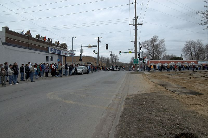 <font size=3>The crowd gathered at 10th and Bancroft where the locomotive would turn the corner to head toward's it's new home near Lauritzen Gardens.</font>