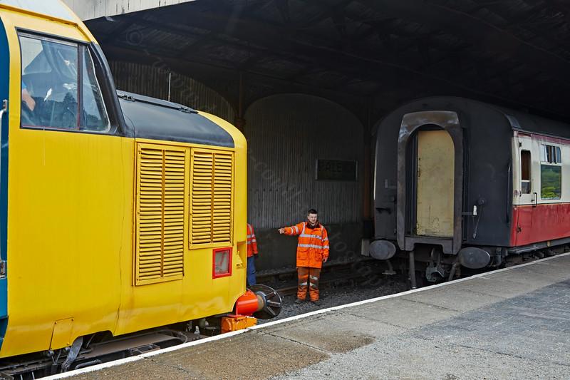 Diesel Locomotive 37401at  Bo'ness Station - 28 June 2014