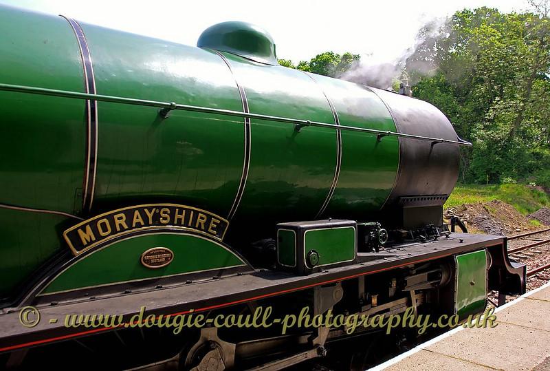 'Morayshire' at Birkhill Station - 2nd June 2009