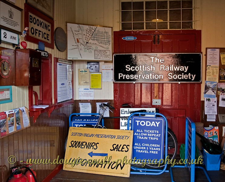 Booking Office - Bo'ness - 2nd June 2009