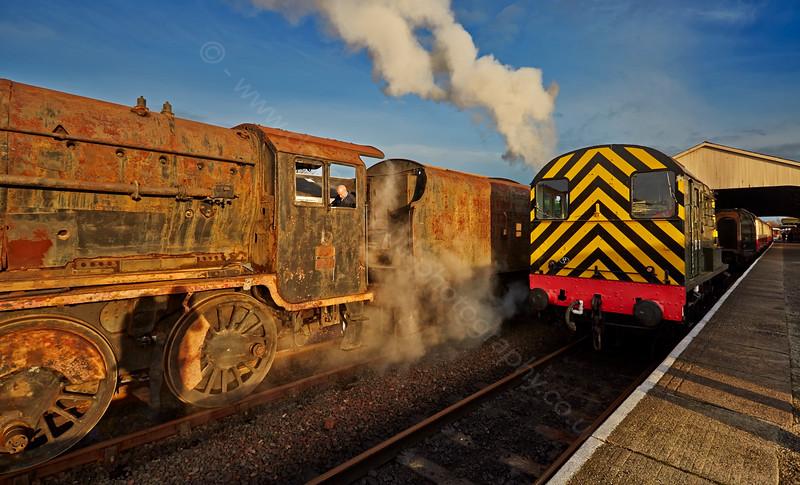 8F Steam Locomotive 45170 in Bo'ness Station - 15 November 2014