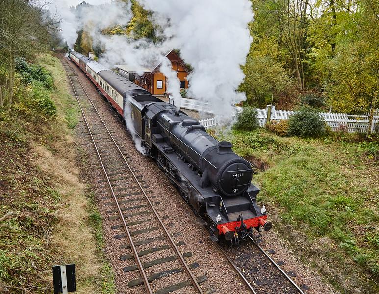 LMS 4-6-0 Black 5 (44871) at Birkhill - 25 October 2015