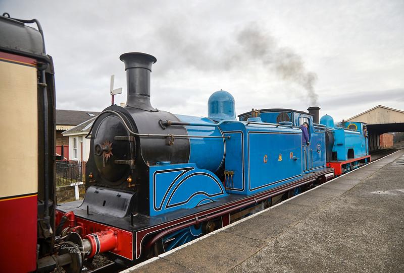 Caledonian Railway No.419 and Lord Roberts No.1 nat Bo'ness - 30 December 2018