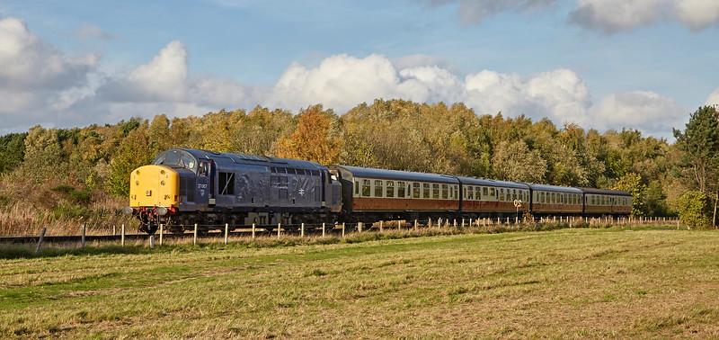 Diesel locomotive (37067) at Kinneil - 15 October 2017