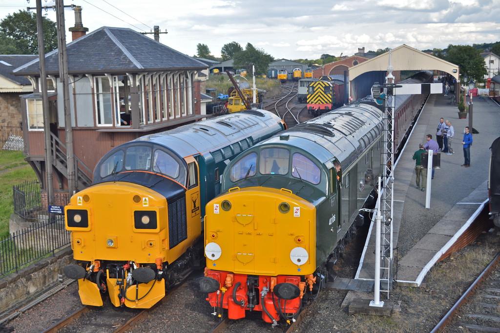 37025 & 40106 at Bo'ness station.