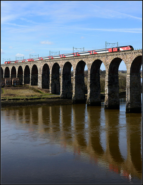 2018 03 24.hst on the 07.52 Aberdeen-Kings Cross over the swollen River Tweed.