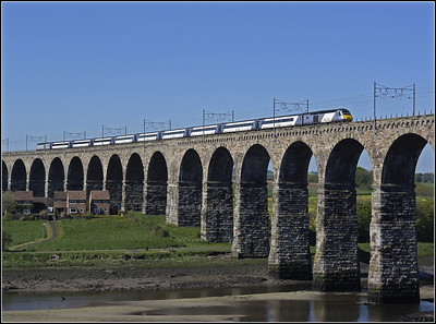 2013 05 25 HST heads south over The Royal Border Bridge,ECML.service to Kings Cross.