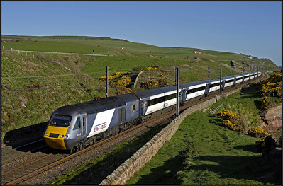 2013 05 13 43312 06.55 Edinburgh-Kings Cross ECML. service,passing along the cliff tops at Lamberton.