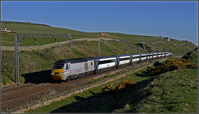 2013 05 25 43317 06.20 Edinburgh-Kings Cross ECML. service skirting the cliffs at Lamberton.
