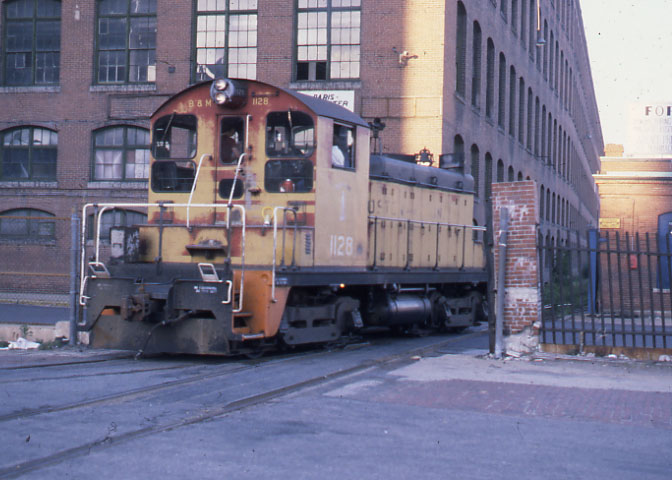 Lawrence Switcher 1128 working the mills