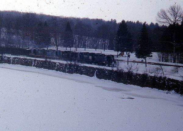 Tyngsboro Curve BM PC Coal Train