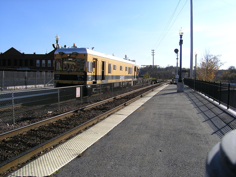 Nov. 19, 2005 - Haverhill, MA  - Sperry car running west on the Eastward track.