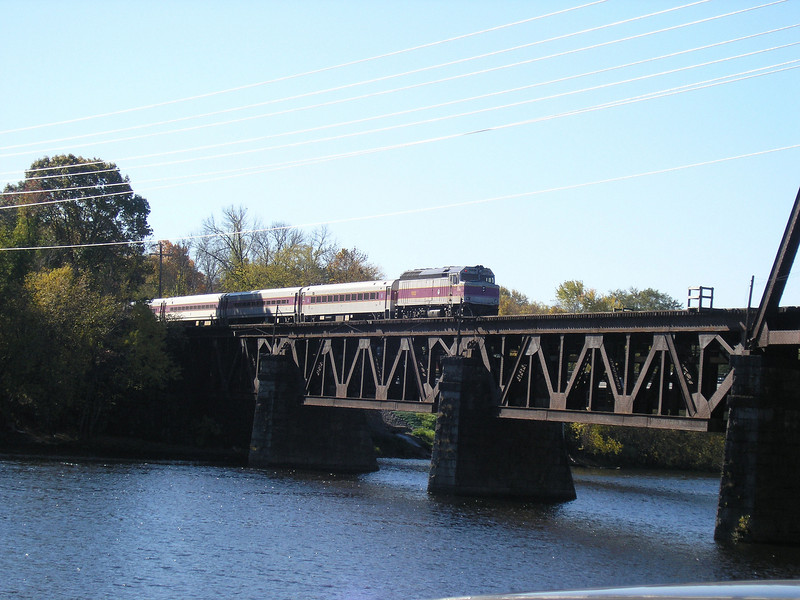11/7/2007 - OLYMPUS DIGITAL CAMERA   - MBTA train 218 inbound to Boston crossing the Merrimack River at Haverhill, MA