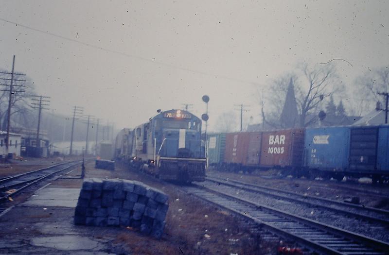 Ayer Engine 1753 with Piggyback Train