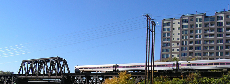 OLYMPUS DIGITAL CAMERA         -   11/7/2007  - Control Car of Train 218 Crossing the Merrimack River in Haverhill, MA