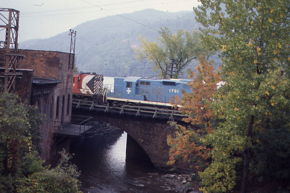 Brattleboro, VT BM Engine 1701 on Stone Arch Bridge