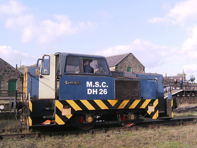 Rolls Royce 10229/1965 was present. Formerly Manchester Ship Canal locomotive DH26, she has since moved elsewhere.
