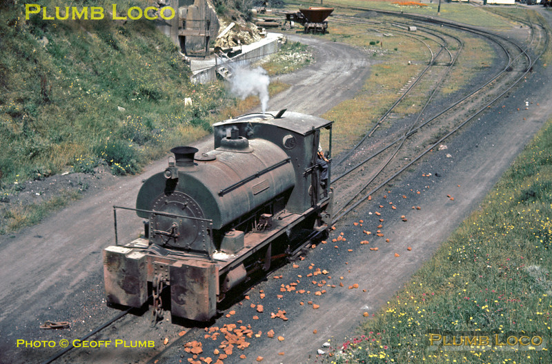 "A Peckett 0-4-0ST ""Thurwhit"" (Class R2 No. 1734/1927) returns from the exchange sidings with BR into the yard at Alpha Cement works near Purfleet in Essex, Wednesday 7th August 1963. Slide No. 236."