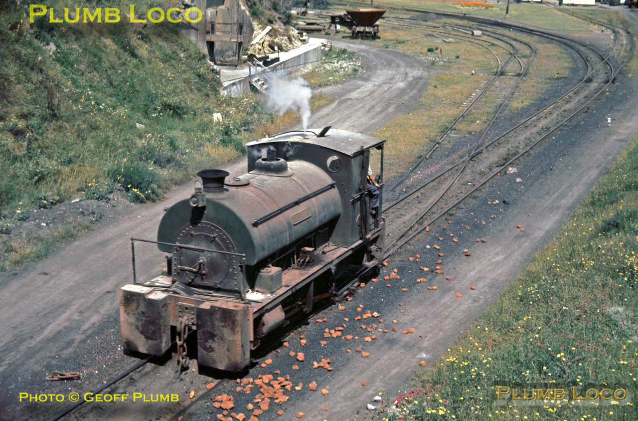 """A Peckett 0-4-0ST """"Thurwhit"""" (Class R2 No. 1734/1927) returns from the exchange sidings with BR into the yard at Alpha Cement works near Purfleet in Essex, Wednesday 7th August 1963. Slide No. 236."""