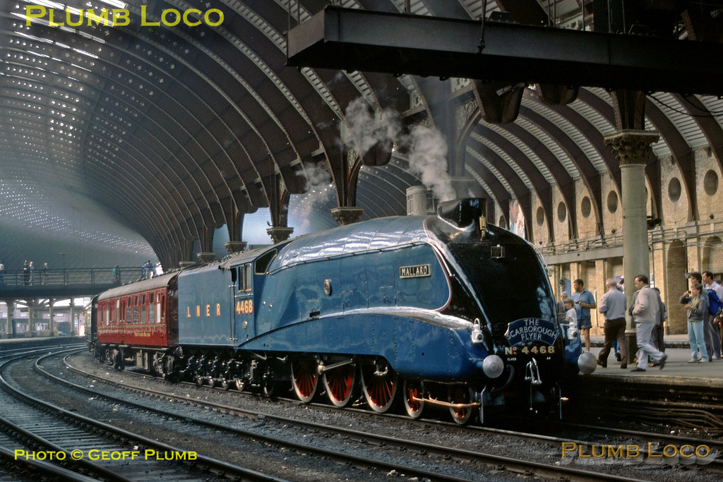 "4468 ""Mallard"", York Station, 26th April 1987"