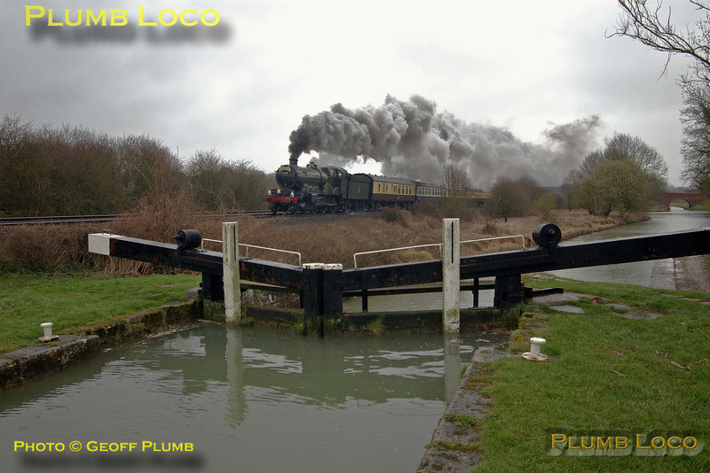 "GWR ""Castle"" Class 4-6-0 No. 5029 ""Nunney Castle"" hard at work on the Berks & Hants line at Froxfiled lower lock on the Kennet & Avon canal. The train is ""The Bristolian"" from London Victoria to Bristol and return. 11:50, Saturday 20th March 2004. Digital Image No. IMGP0052."