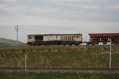 2) 58 015 near Pagny-Sur-Moselle on 22nd August 2006