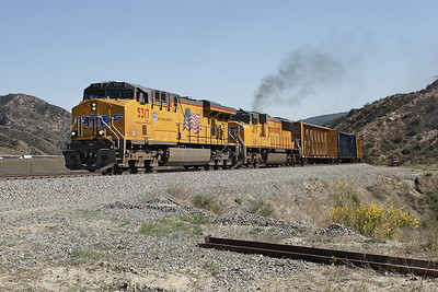 UP 5317 (C45ACCTE) & UP 4579 (SD70M) head a northbound empty spine car train on the Palmdale cutoff line at Milepost 473. 07/05/2007.