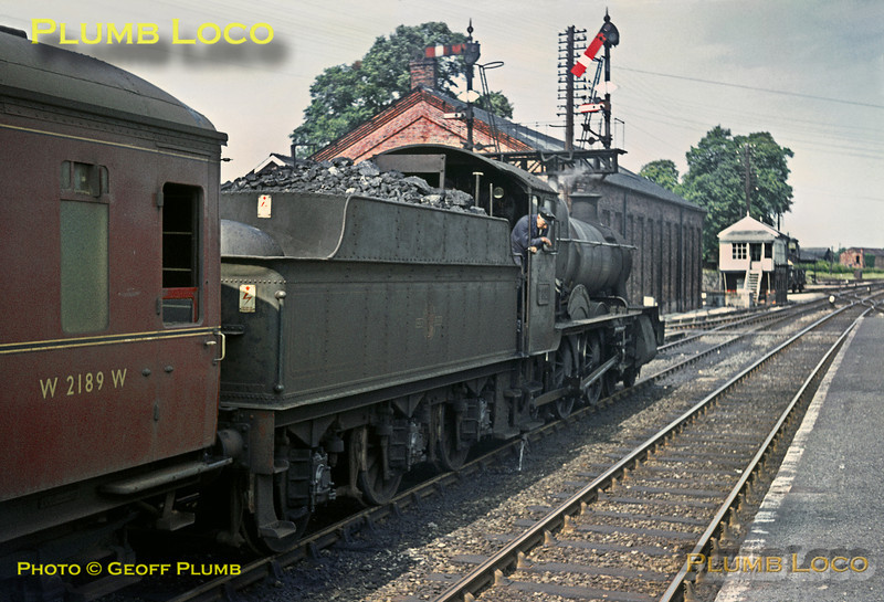 "7821 ""Ditcheat Manor"", Welshpool, 27th July 1964"