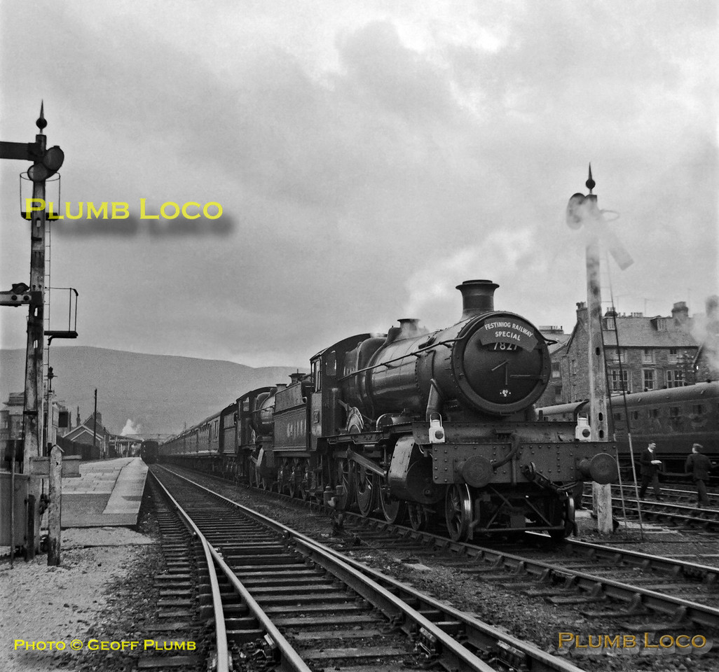 7827 & 7819, Barmouth, 20th April 1963