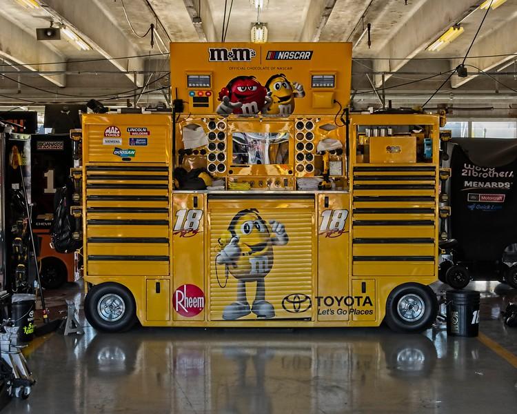 Texas Motor Speedway,  November 2018,  NASCAR Playoffs,  Kyle Busch garage