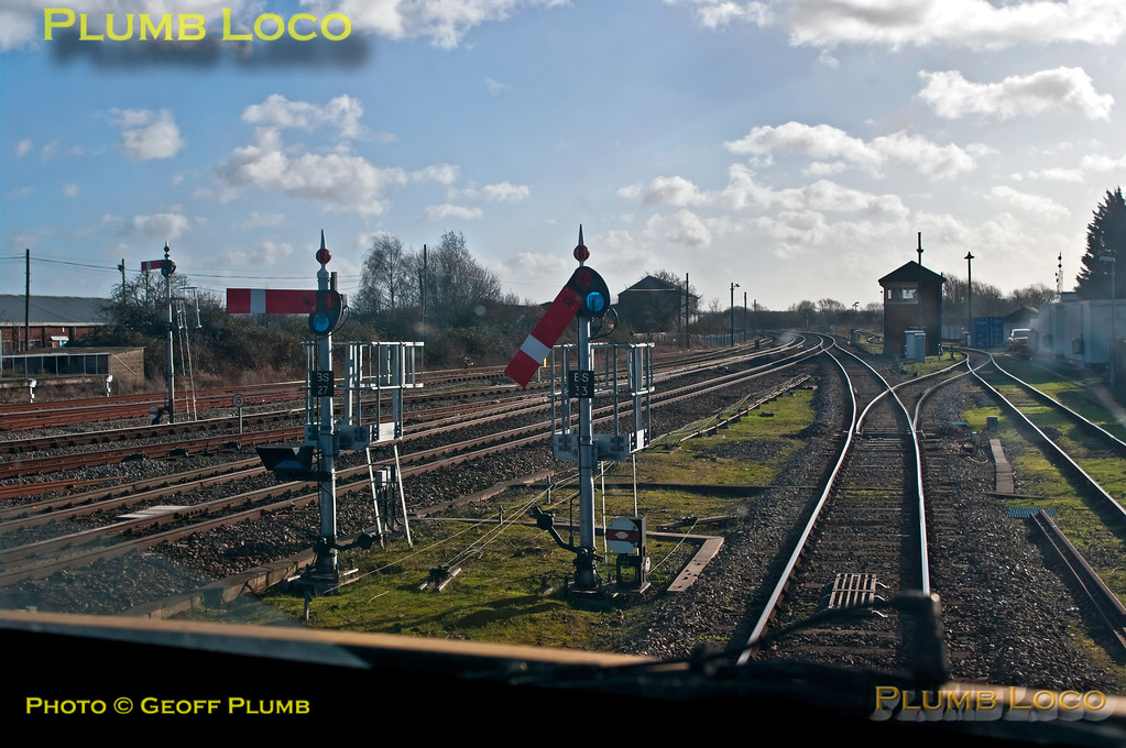 View from 82304 as 5H32 departs from platform 1 at Banbury station at 11:48, under the control of Banbury South semaphore starter signal BS33, at the start of the control run of the DAS trials test train to Marylebone. Sunday 27th January 2013. Digital Image No. GMPI13824.
