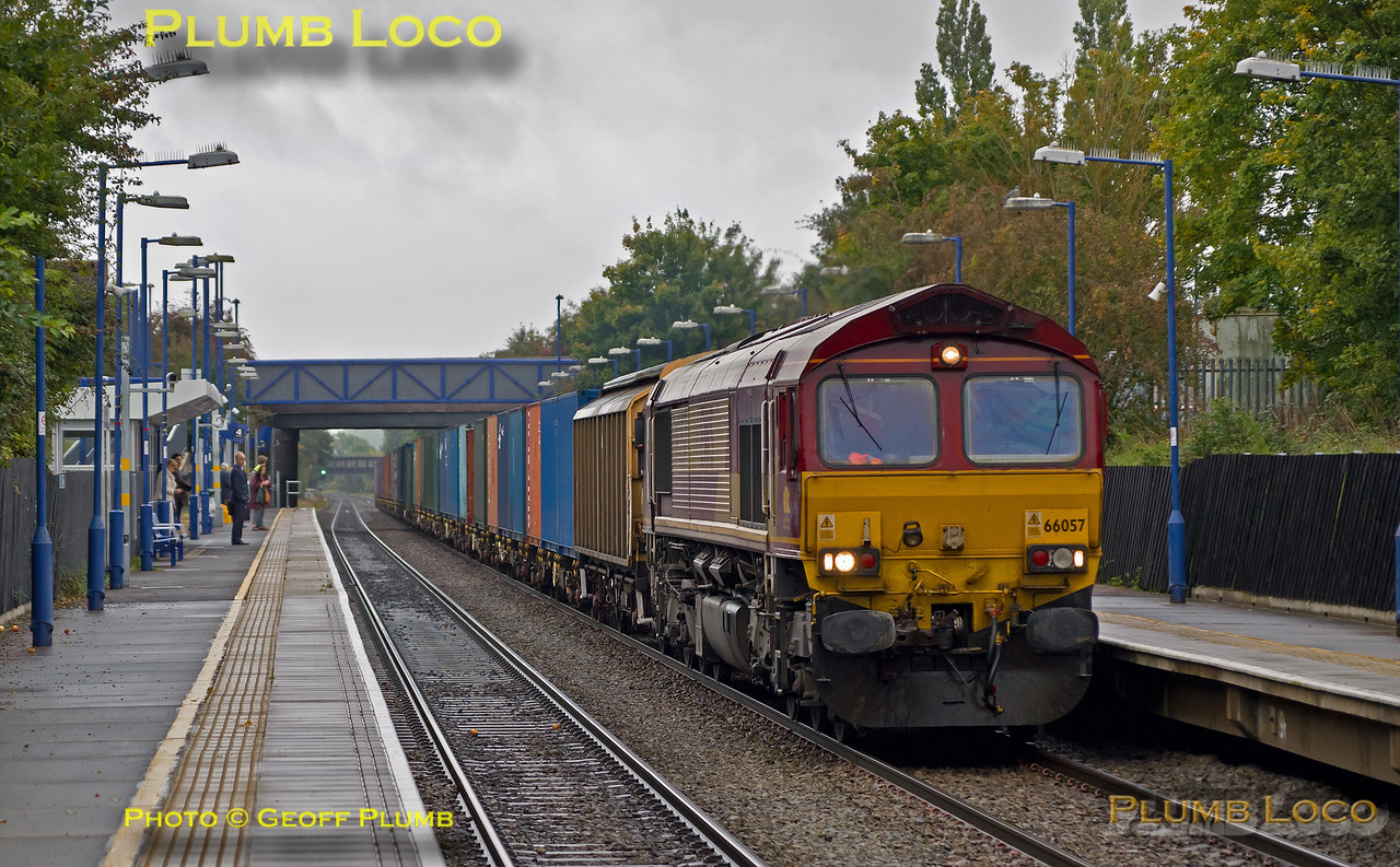 66057, Haddenham Station, 6A49, 5th October 2015