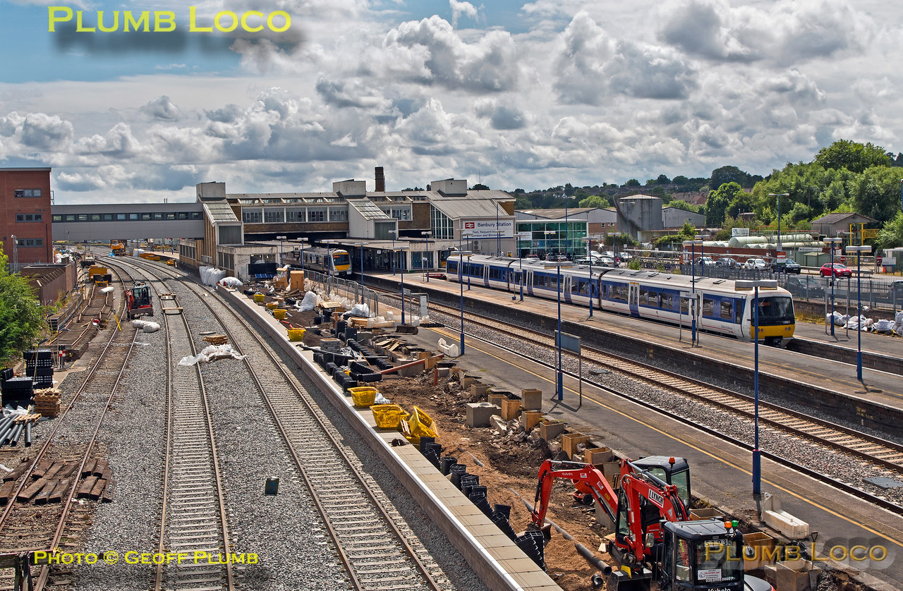General View south, Banbury Station, 29th July 2016