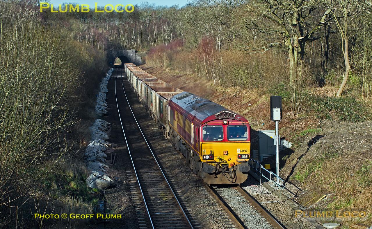 66037, Brill Tunnel, 6V01, 15th January 2016
