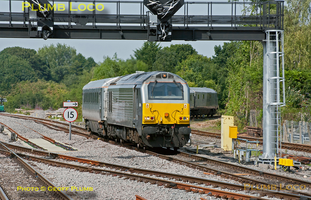 """67014 """"Thomas Telford"""" comes off the branch from Aylesbury at Princes Risborough whilst working 5H45, the 14:48 from Aylesbury depot to Marylebone, though quite why it had been to Aylesbury I don't know... 15:07, Thursday 28th July 2011. Digital Image No. GMPI9840. I have since heard that the loco failed on 1H06 in the Brill area earlier in the day, and whatever the problem was, it was duly sorted out at Aylesbury."""