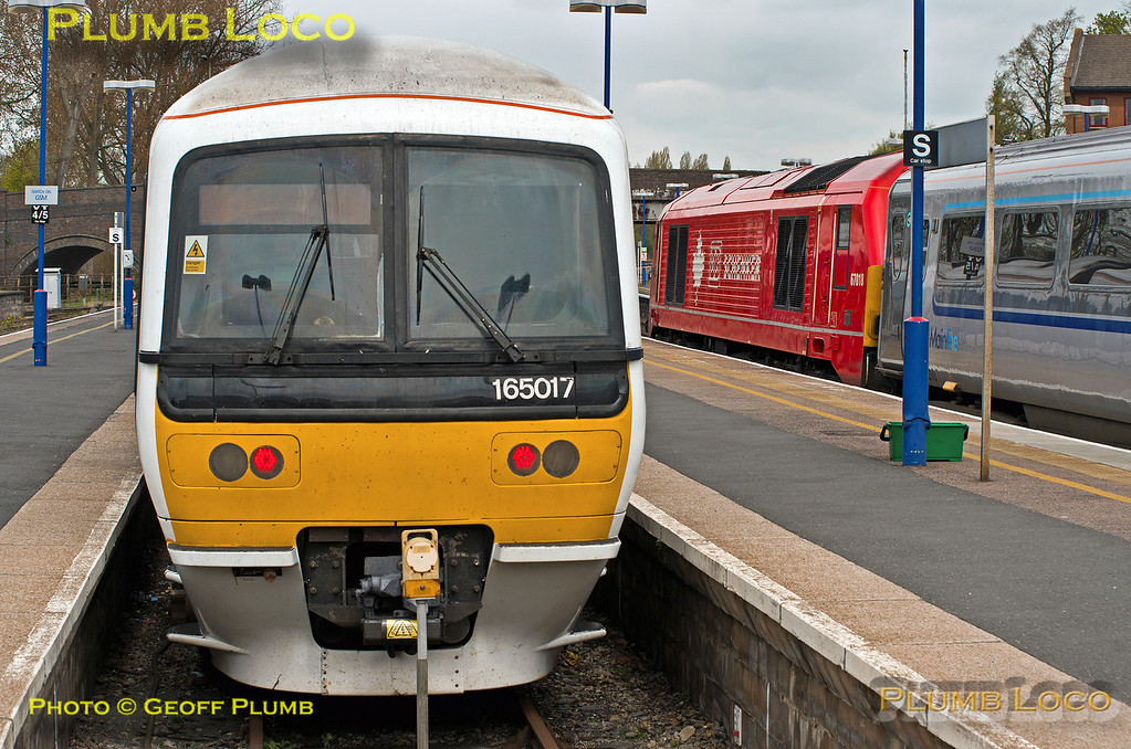 165 017 & 67018, Banbury, 17th April 2014