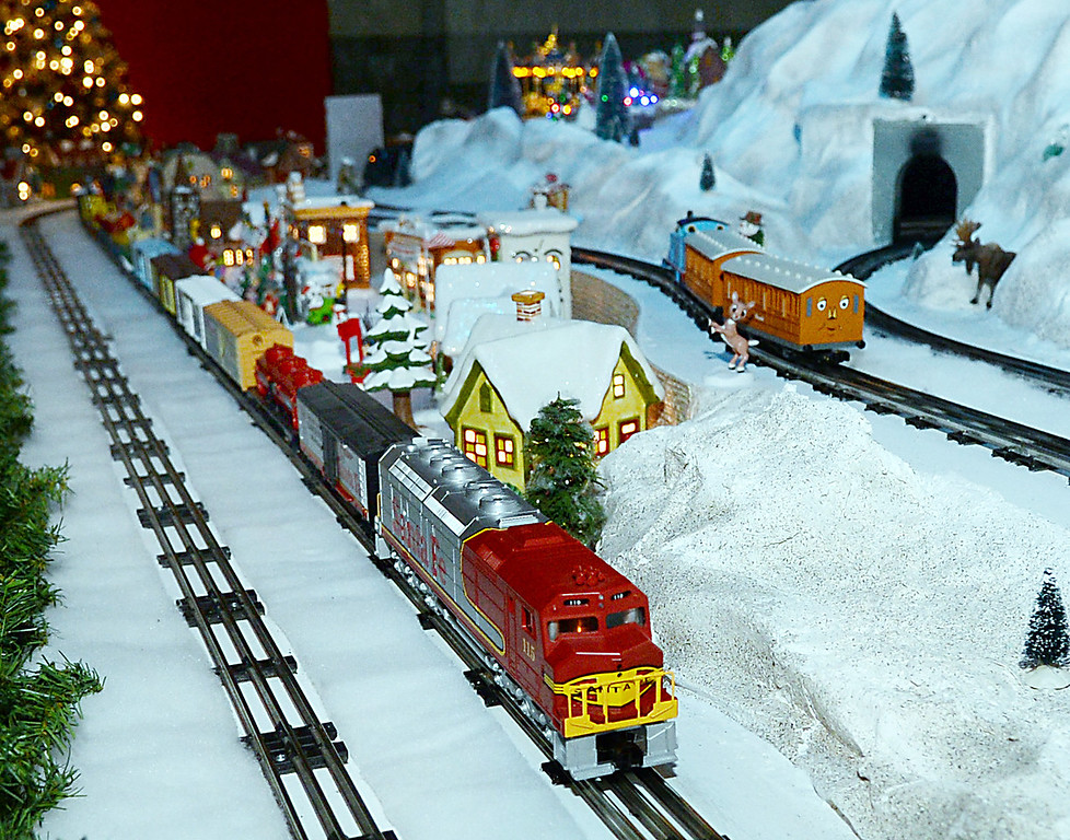 trains cheistmas