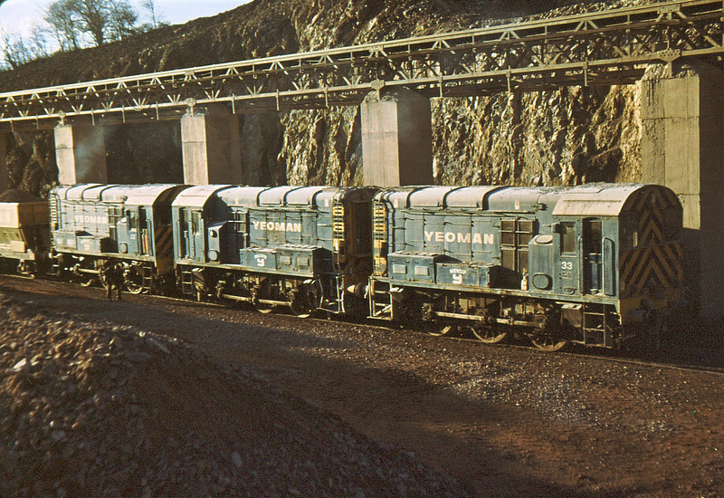 33 (08032), 11 (D3002) & 22 (D3003) Merehead Quarry  24 Nov 79