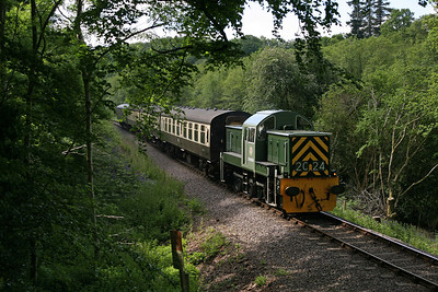 D9526 threads through the trees around Roebuck Farm crossing on the Sunday morning of the gala. 9/6/13
